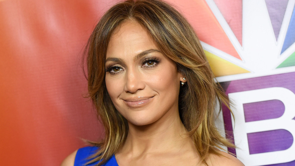 PASADENA, CA - JANUARY 13:  Actress Jennifer Lopez arrives at the 2016 Winter TCA Tour - NBCUniversal Press Tour  at Langham Hotel on January 13, 2016 in Pasadena, California.  (Photo by Angela Weiss/Getty Images)
